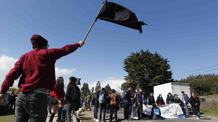 El lento andar del plan de descontaminación de Quintero: El de Bachelet fue objetado y Gobierno aún no presenta otro