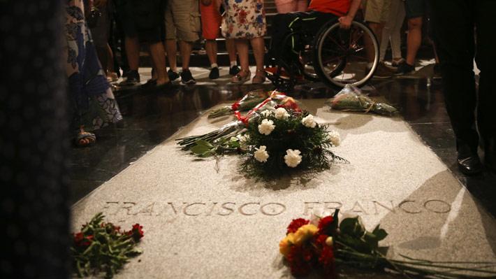 Gobierno de España aprueba decreto de ley para exhumar los restos de Franco