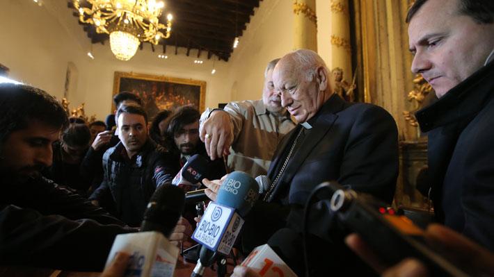 La otra carta que involucra a Ezzati en casos de abuso: Pidió llevar denuncia contra el ex canciller Muñoz ante la fiscalía