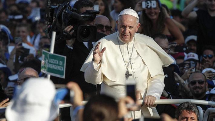 """""""Tolerancia cero"""" y """"disciplina"""" para los obispos: Los llamamientos al Papa en su visita a Irlanda"""