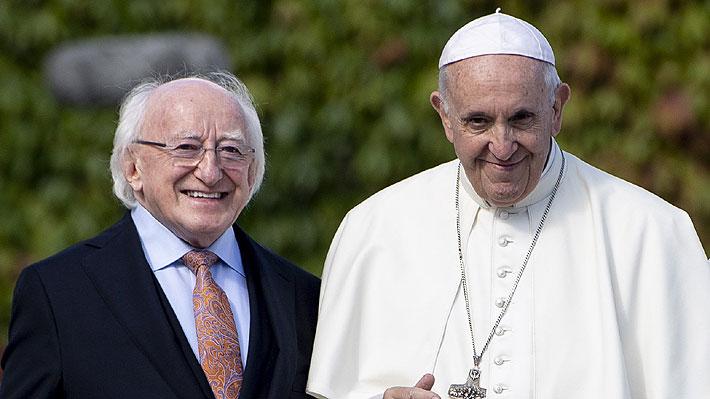 """Papa Francisco dice que comparte su """"sufrimiento"""" y """"vergüenza"""" ante el """"fracaso"""" de la Iglesia por los abusos"""