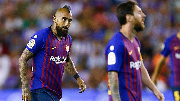 Vidal sigue sumando minutos en un Barcelona que gana un sufrido partido con el VAR como protagonista