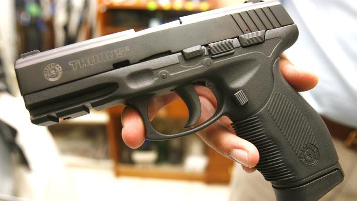 Existen 754 mil armas inscritas activas en el país: Las Condes y Santiago encabezan la lista