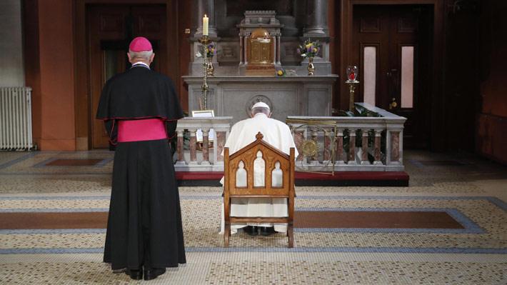 """""""Guerra sucia"""" en el Vaticano: Las rivalidades internas que quedaron en evidencia tras la acusación contra el Papa"""