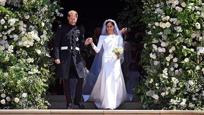 Exhibirán en Windsor y Edimburgo el vestido y el uniforme que Meghan y Harry usaron para su boda