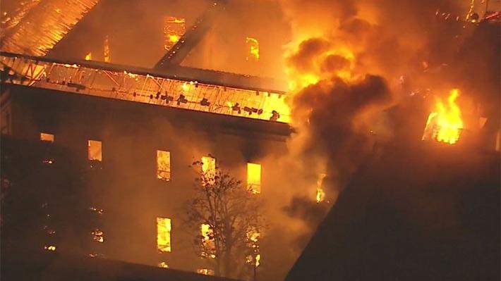 Incendio devora el Museo Nacional de Río, uno de los más antiguos e importantes de Brasil