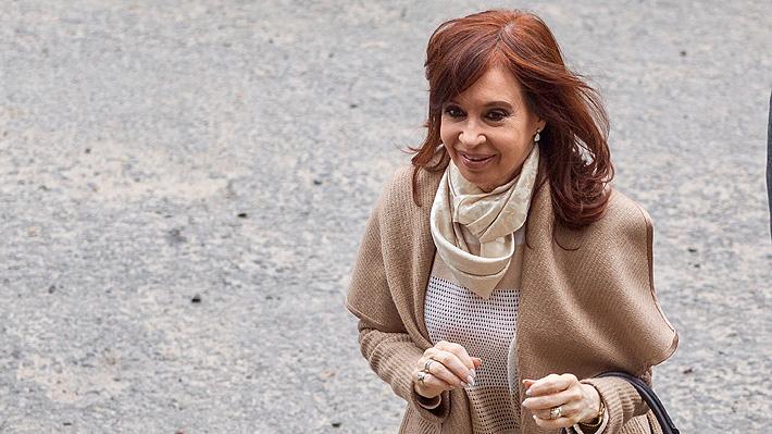 """Cristina Fernández acude a tribunales y denuncia """"gravísimas irregularidades"""" en caso de los """"cuadernos de las coimas"""""""