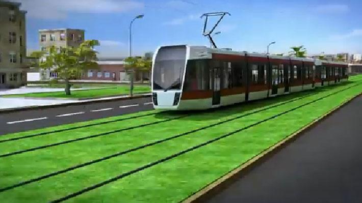 """¿Transantiago """"mató"""" al tranvía por Las Condes?: Análisis a la compensación que habría puesto fin al proyecto"""