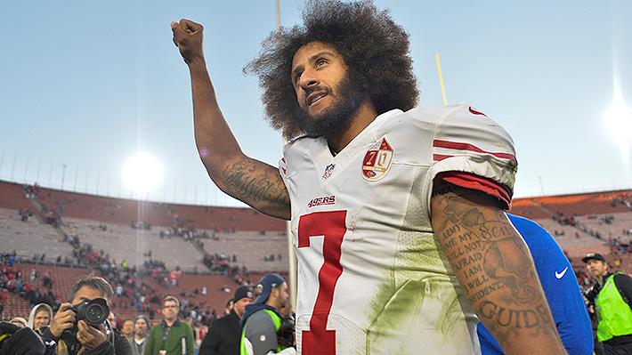Acciones de Nike cayeron tras presentar como rostro a ex jugador de la NFL símbolo antirracista