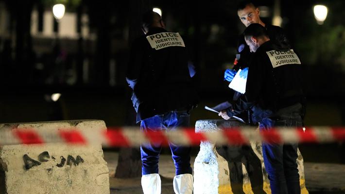 Ataque con cuchillo en París deja al menos siete heridos