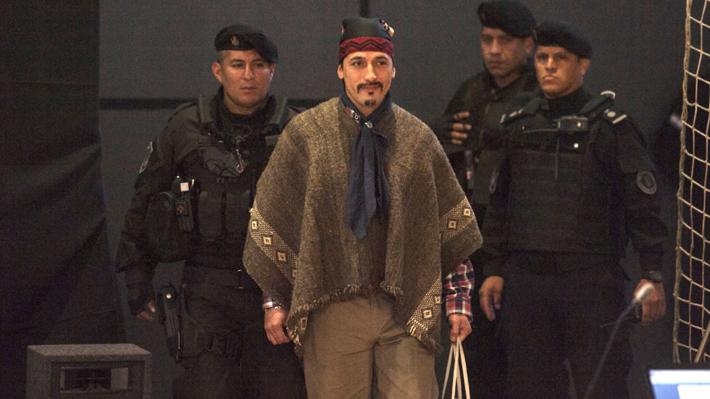 Gobierno argentino concreta extradición de dirigente mapuche para ser juzgado en Chile