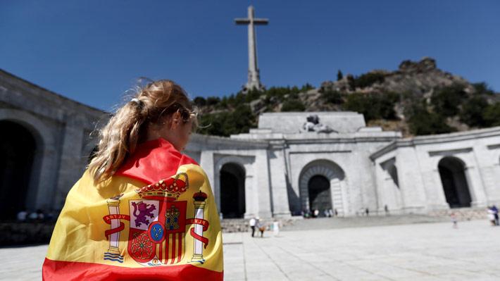 Parlamento español aprueba decreto para exhumar los restos de Franco del Valle de los Caídos