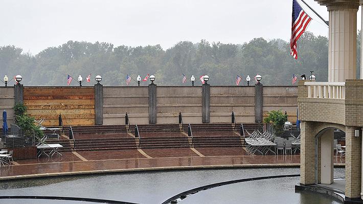 """Huracán Florence se debilita pero sigue siendo """"potencialmente fatal"""" en su llegada a EE.UU."""