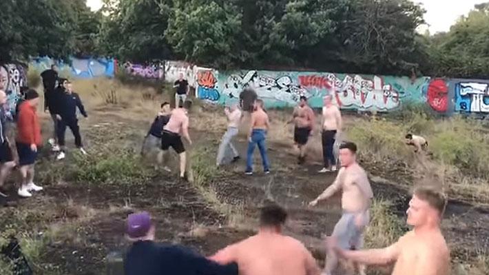 La brutal pelea organizada que armaron hinchas del Millwall y el Brentford en Inglaterra