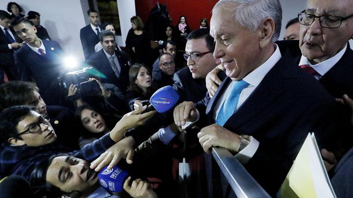 Incidentes en Tedeum Evangélico: Manifestaciones contra Piñera y guardias de obispo Durán agreden a la prensa
