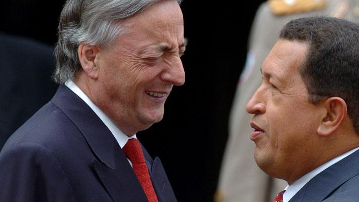 Los cuadernos de las coimas: Revelan maniobra que habría permitido a Kirchner y Chávez quedarse con US$50 millones