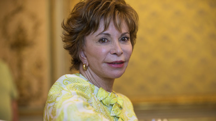 Isabel Allende recibe Premio Nacional honorario en EE.UU.