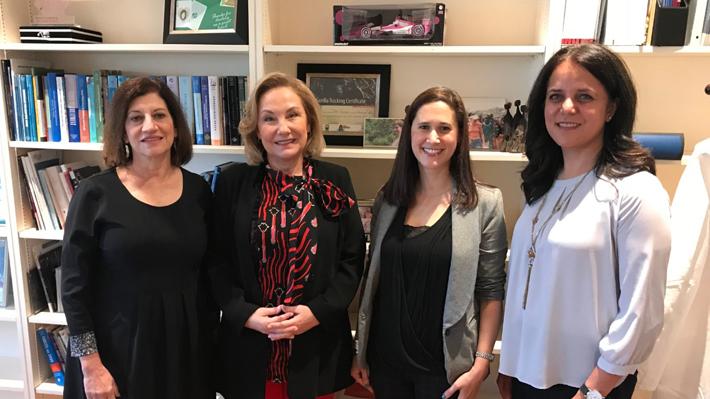 Primera Dama inicia gira en Nueva York y conoce innovador programa de ciudades amigables para adultos mayores