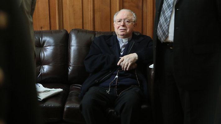 """Expulsión de Karadima: La conducta """"difícil de controlar"""" del ex párroco mientras cumplía su anterior condena canónica"""