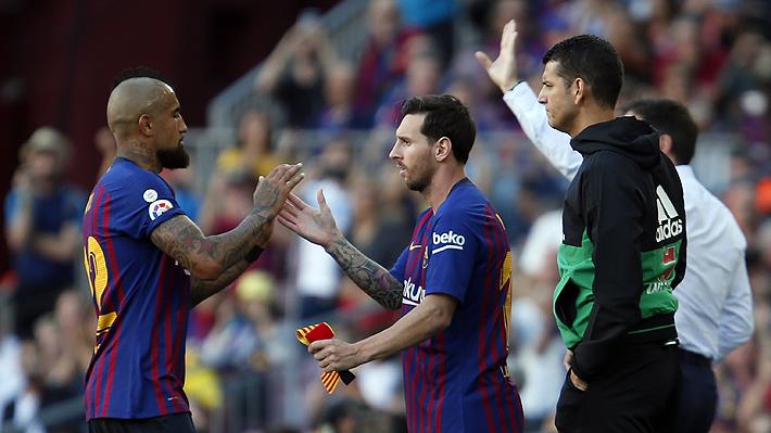 El gesto que demostró el lamento de Vidal al enterarse que sería reemplazado en el duelo del Barcelona