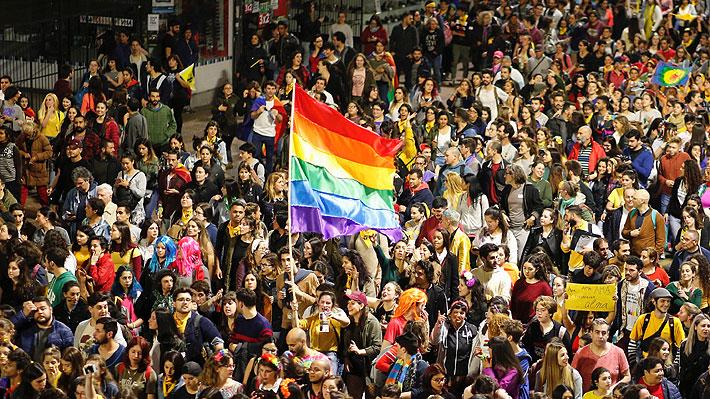 Casen 2017: Personas que se declaran homosexuales en Chile superan las 220 mil