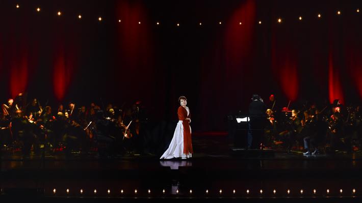 Show holográfico que regresa a Maria Callas a los escenarios, retrasa su debut en Chile