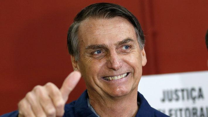 Bolsonaro sorprende con una alta adhesión, pero no le alcanza y deberá ir a segunda vuelta contra Haddad en Brasil