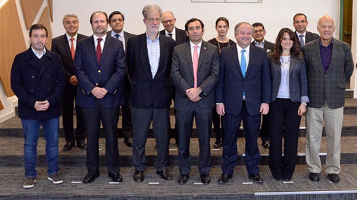 Ministro Monckeberg reúne a grupo transversal de expertos para analizar modernización laboral y nuevos empleos