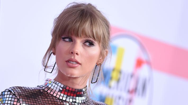En menos de dos días: Taylor Swift muestra su apoyo a los demócratas, dispara registros de votantes y triunfa en los AMA'S