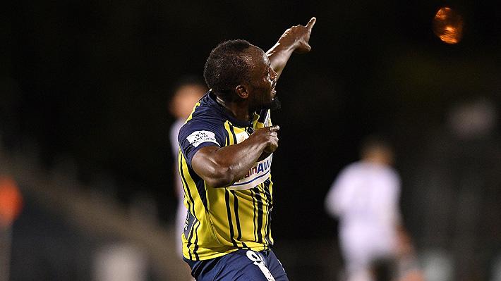 Los primeros en su carrera como futbolista: Mira los 2 goles que marcó Usain Bolt en su debut como titular en Australia