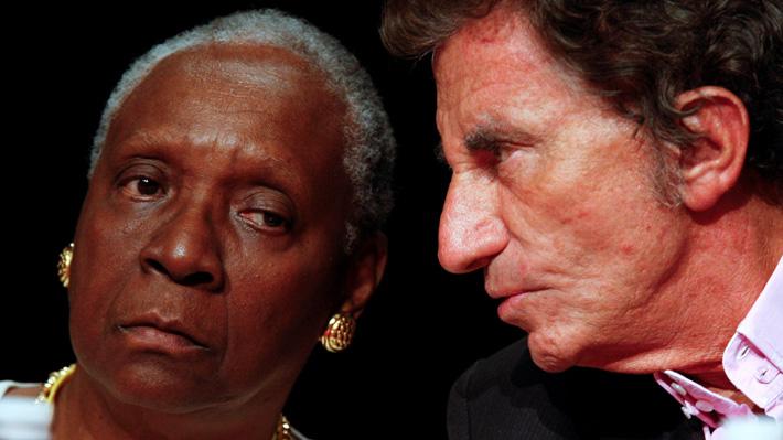 Otorgan premio alternativo al Nobel de Literatura a escritora que habla en sus obras sobre el colonialismo y sus consecuencias