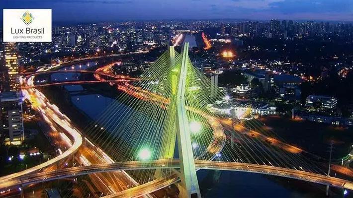 Factura US$ 919 millones por año: Industria brasileña de la iluminación se expande en Chile y trae sus productos más destacados
