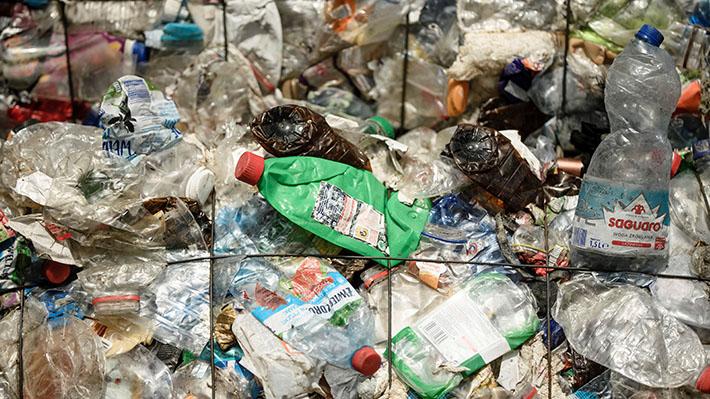 """Expertos por contaminación de plástico en el océano: """"Hay que evitar la generación y el uso de desechables"""""""