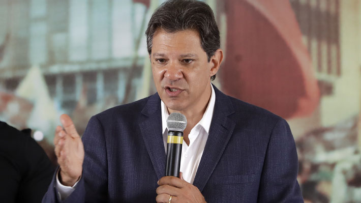"""Haddad acusa a Bolsonaro de crear """"organización criminal"""" con empresarios para difamarlo por WhatsApp"""