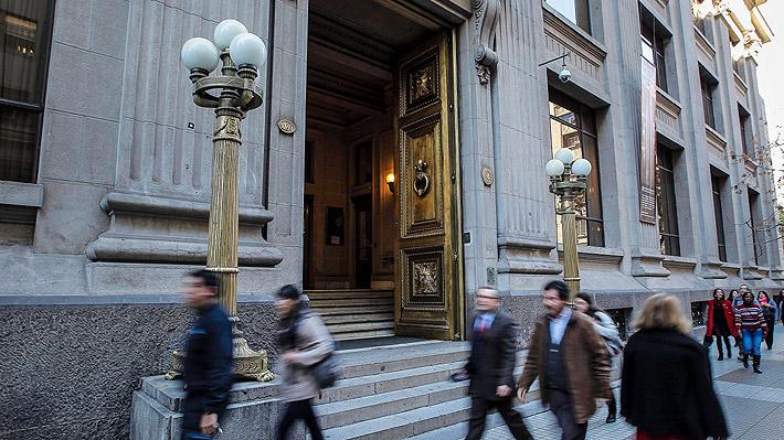 Banco Central aumenta la tasa de interés por primera vez desde fines de 2015