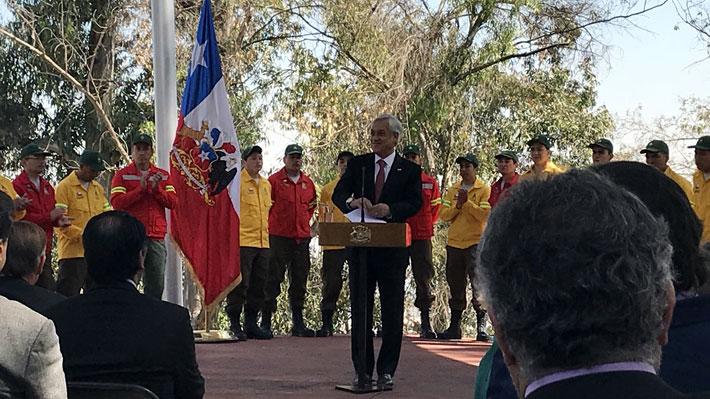 """Presidente Piñera lanza plan para enfrentar incendios forestales y asegura que la temporada """"se viene difícil"""""""