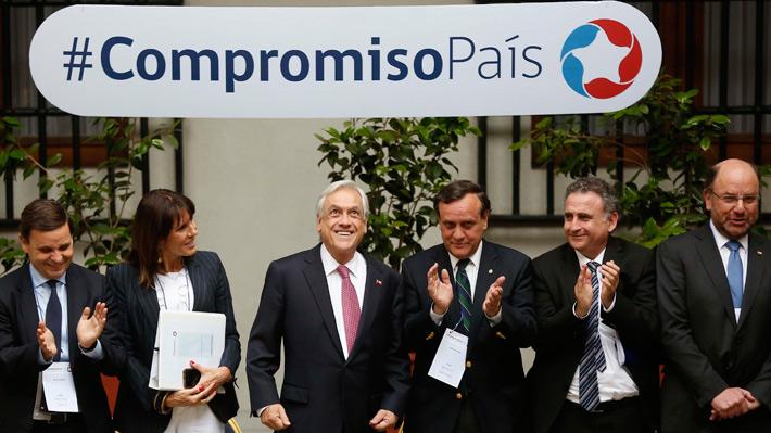 """Piñera da inicio a grupos de trabajo del programa Compromiso País: """"Es un proyecto público que nos interesa todos"""""""