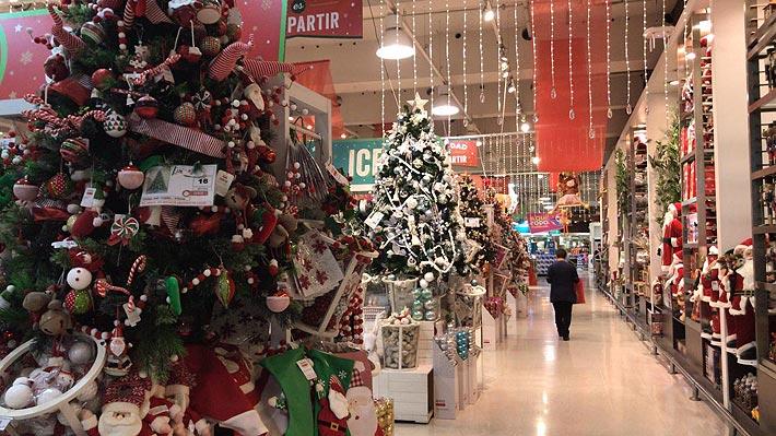 La Navidad ya llegó: A dos meses de fin de año tiendas ya exhiben productos para enfrentar temporada