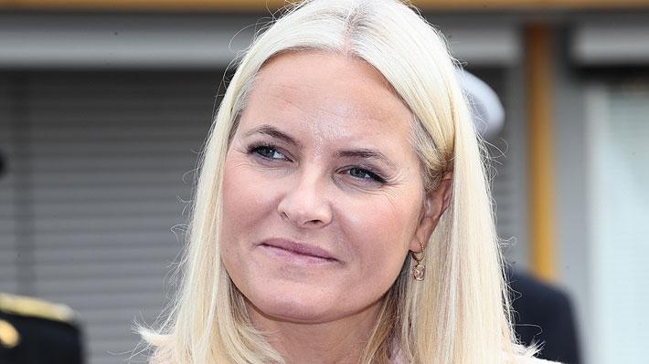 """Casa real noruega revela que la esposa del príncipe heredero padece una """"enfermedad poco común"""""""