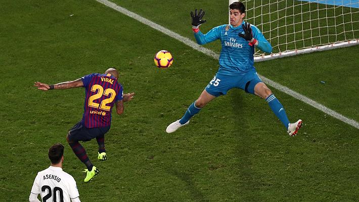 Anotó de cabeza el cierre de la goleada: Mira el gol de Arturo Vidal en el Derbi ante el Madrid
