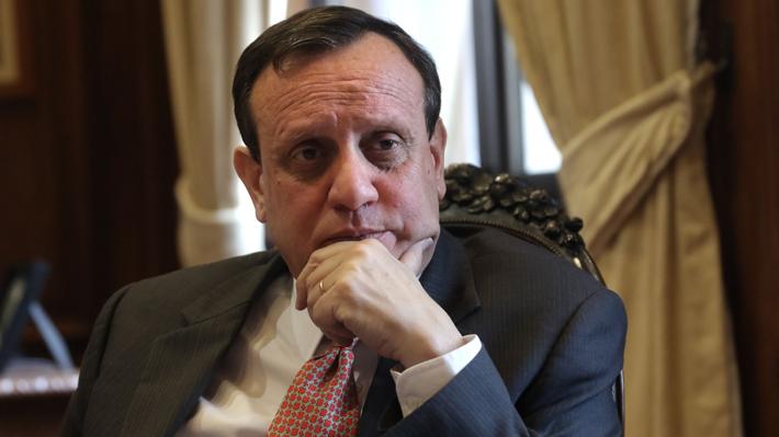 Rector de la UC respalda autodenuncia de candidato a la FEUC tras ser acusado de abuso sexual