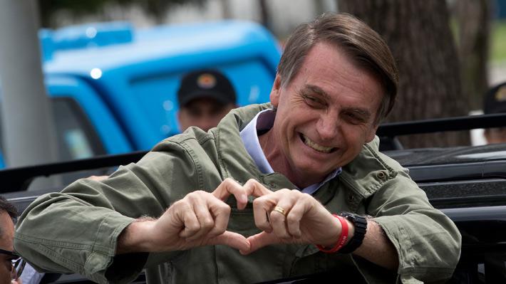 Bolsonaro anuncia polémicas fusiones ministeriales: unirá las carteras de Agricultura y Medio Ambiente