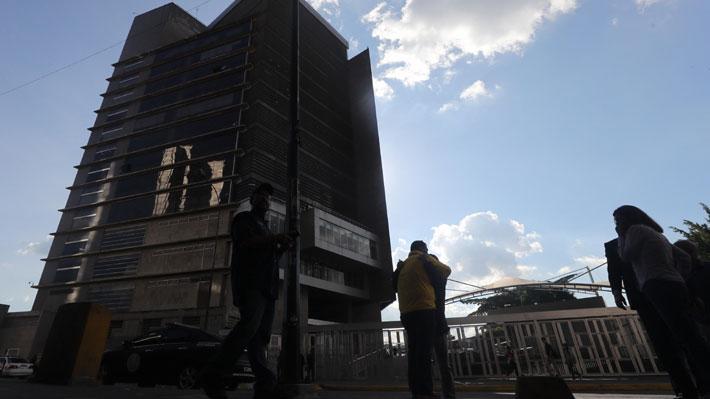 """Qué es el Sebin, la llamada """"policía política"""" de Maduro acusada de torturar a opositores en Venezuela"""