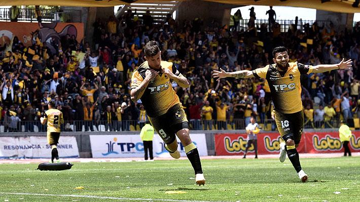 """Coquimbo timbró su ascenso a Primera tras 11 años y San Marcos de """"Clavito"""" Godoy finalmente descendió de la Primera B"""