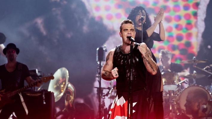 Robbie Williams demostró su vigencia sobre los escenarios con enérgico show en el Movistar Arena