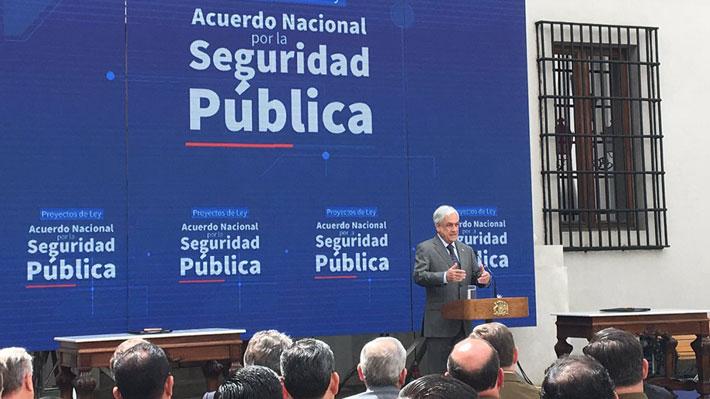 Piñera presenta agenda de seguridad con 5 proyectos: Destacan modernización de policías y control de armas
