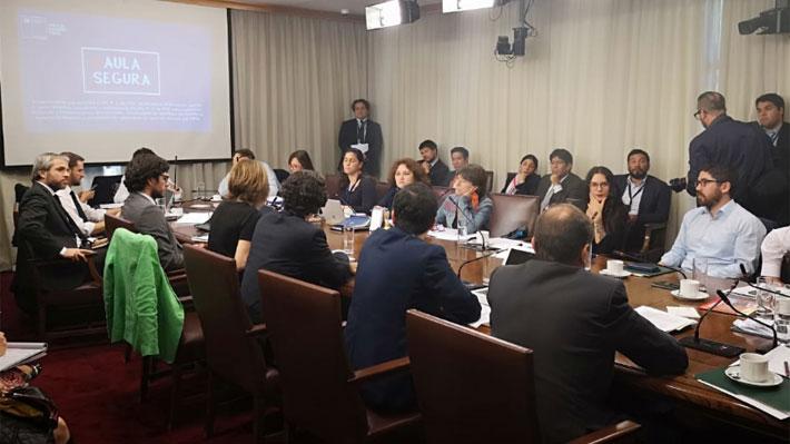 Comisión de Educación establece acuerdo y define dos alternativas para votar Aula Segura