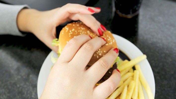 Informe de la ONU: Chile sigue liderando la tasa de obesidad femenina en Sudamérica
