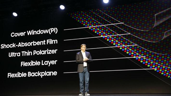 Excelente conductor y transparente: ¿Es el grafeno el elemento clave dentro de la nueva pantalla flexible de Samsung?