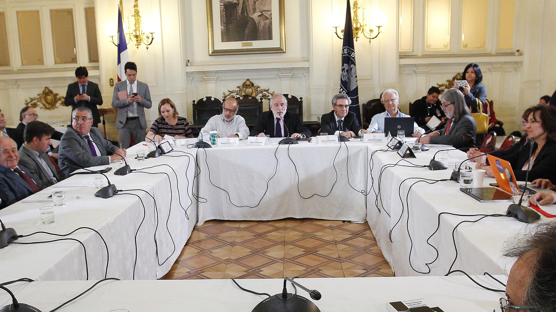 """Oposición raya la cancha e insiste al Gobierno dividir proyecto de pensiones: """"Se pone en duda la idea de legislar"""" si no se hace"""